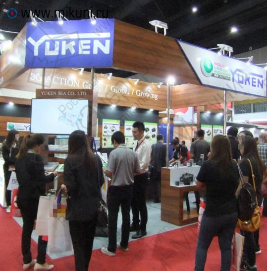 Посетители стенда Yuken на выставке METALEX